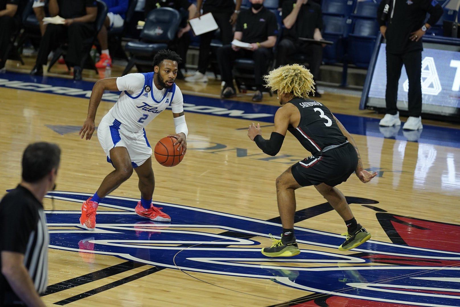 Cincinnati Basketball Defeats Tulsa